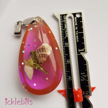 icklebits:Pink Drop Pendant With Sea Shells and Glitter