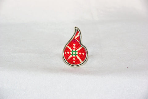 Tear Drop-Shaped Embroidered Ring