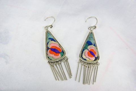 Triangular medium earrings with dangles