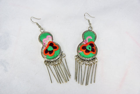 Gourd-shaped medium earrings with dangles
