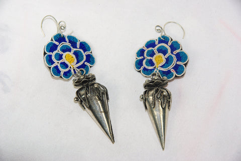 Earrings - Extra large - Embroidered floral pattern with large ornate dangling cone