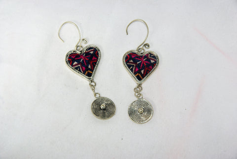 Heart-shaped small earrings