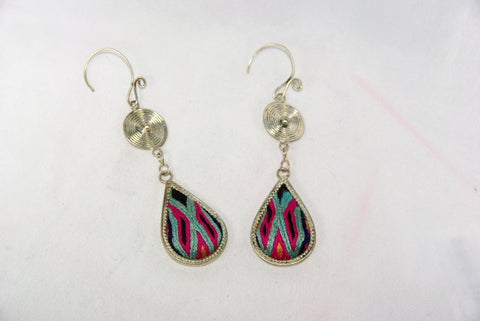 Drop-shaped small earrings with tribal charm reversed