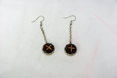 Orb-shaped engraved small earrings with chain
