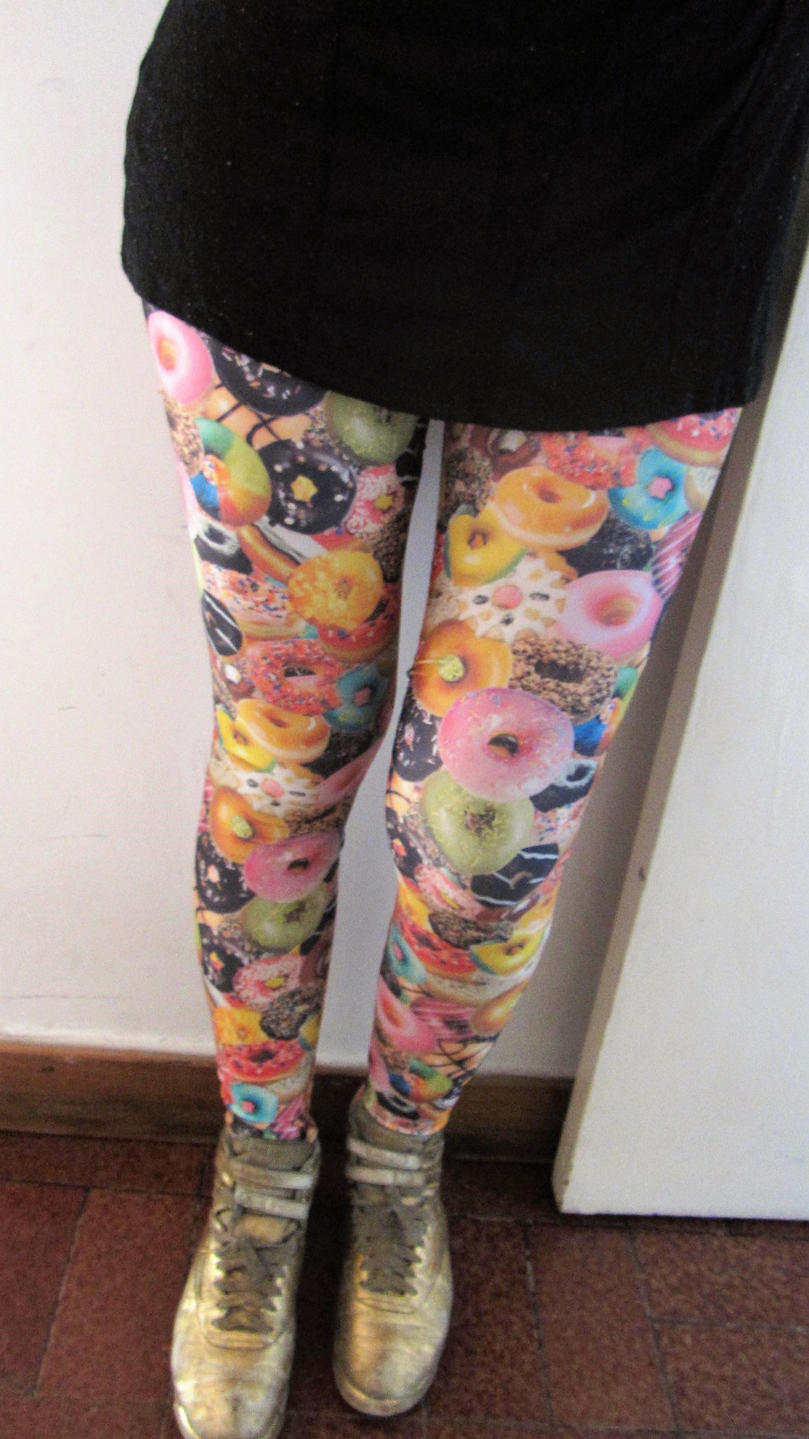 J Dilla loves Donuts Leggings | Jdilla ama las donas Leggings-Leggings-Eat me!