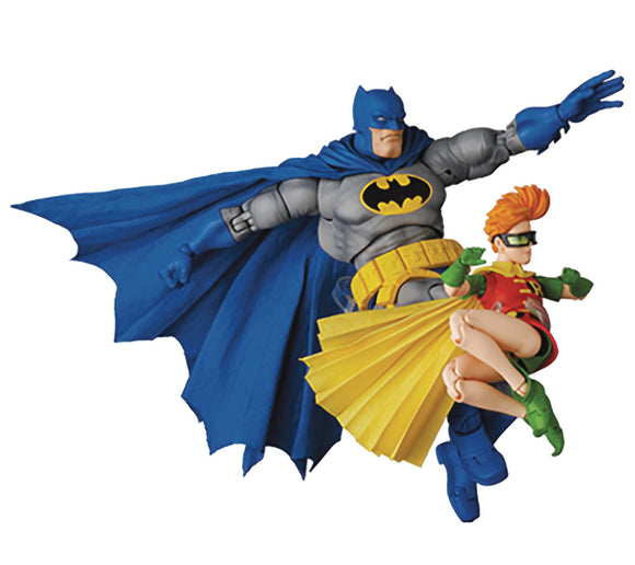 MAFEX - DARK KNIGHT RETURNS - BATMAN BLUE VER & CARRIE KELLEY ROBIN (SHIPS SEPT 2021)