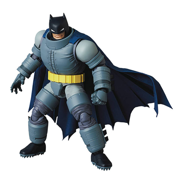 MAFEX - THE DARK KNIGHT RETURNS -  ARMORED BATMAN (SHIPS SEPT 29 2021)