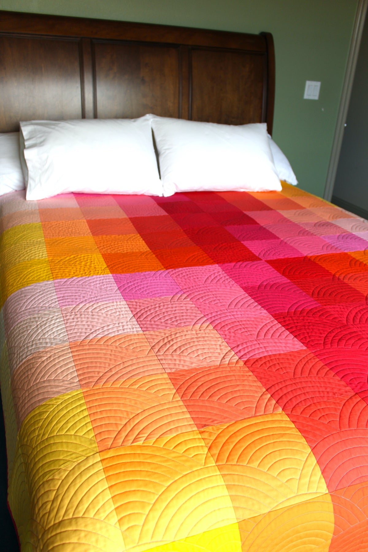 Gradient Grid Quilt: YRM - Sewfinity