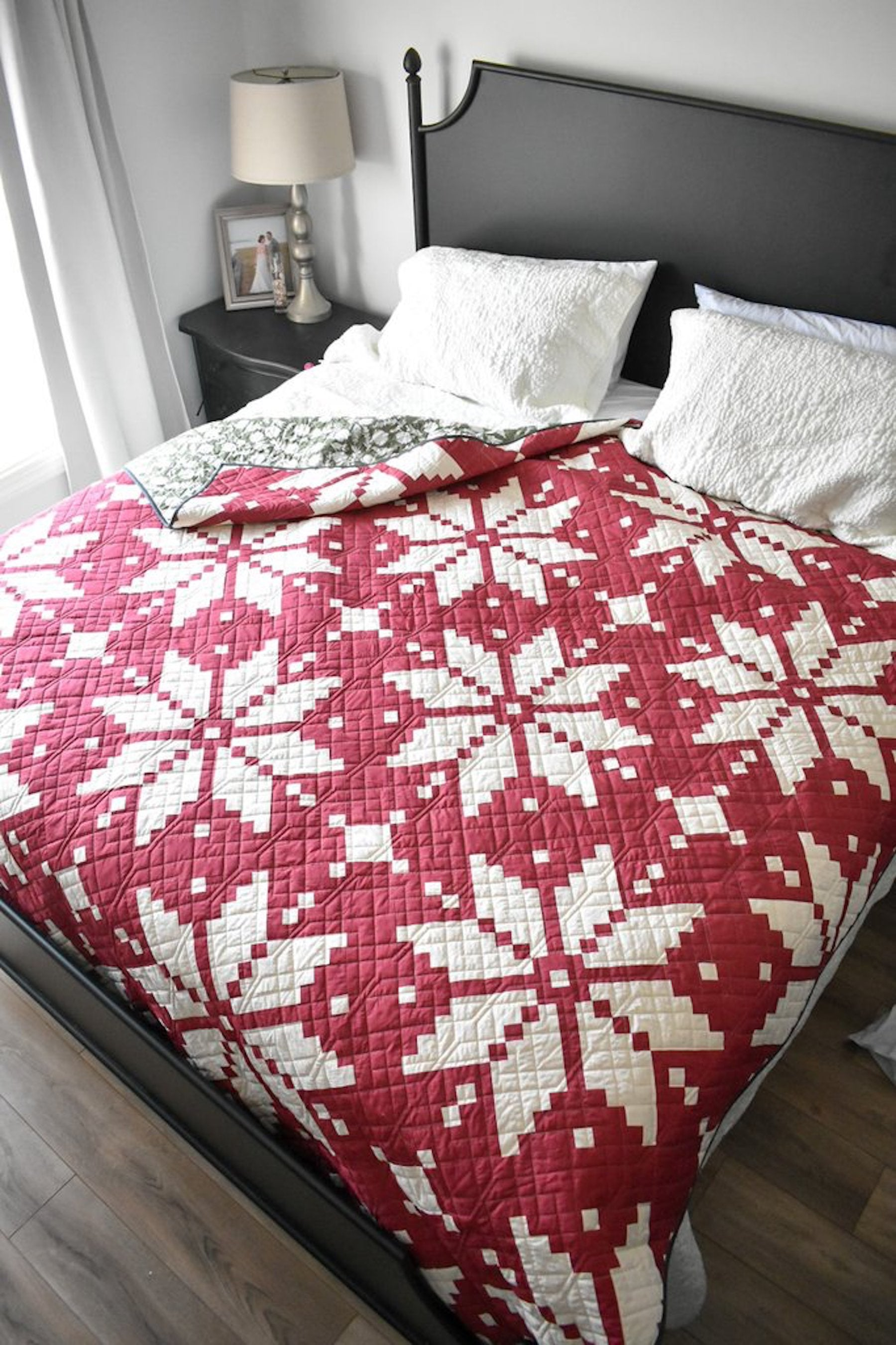 Knitted Star Quilt Pattern by Lo & Behold Stitchery - Sewfinity.com