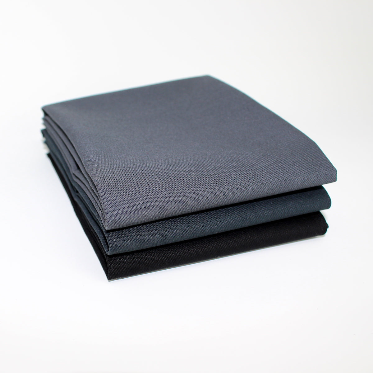 Greyscale Dark 3 Fat Quarter Bundle - Kona Cotton