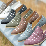 Pointed Toe Stud Flats
