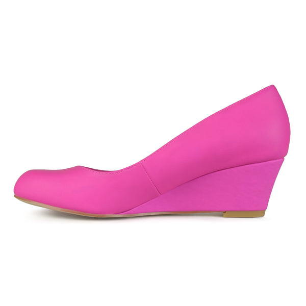 Wide Width Classic Round-Toe Small Wedge