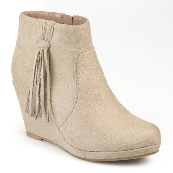 Round Toe Tassle Wedge Boots
