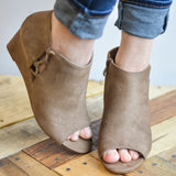 Cut-out Open-toe Wedges
