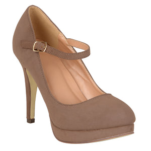 Platform Mary Jane Pumps