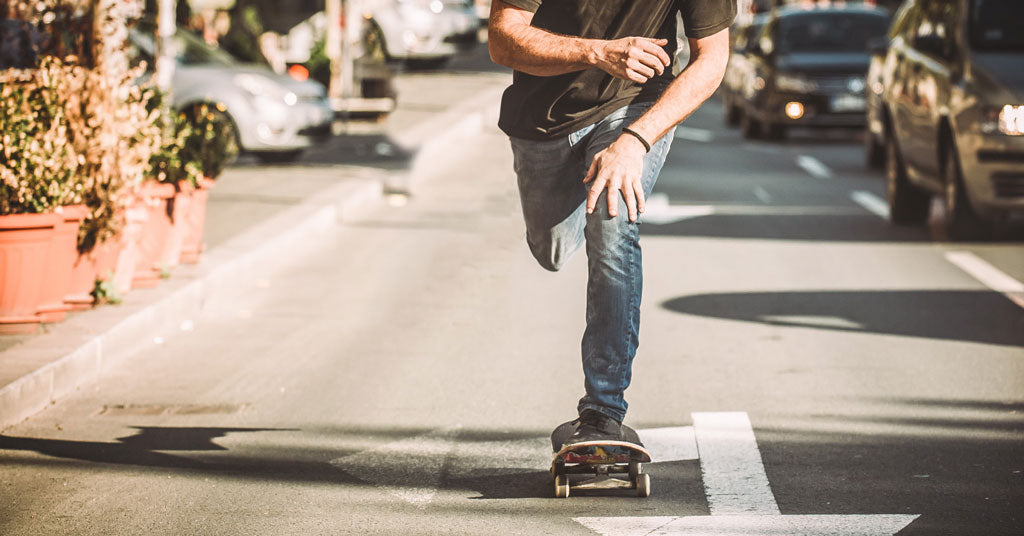 https://swagtron.com/wp-content/uploads/2018/11/can-skateboards-go-on-bike-lanes-2.jpg