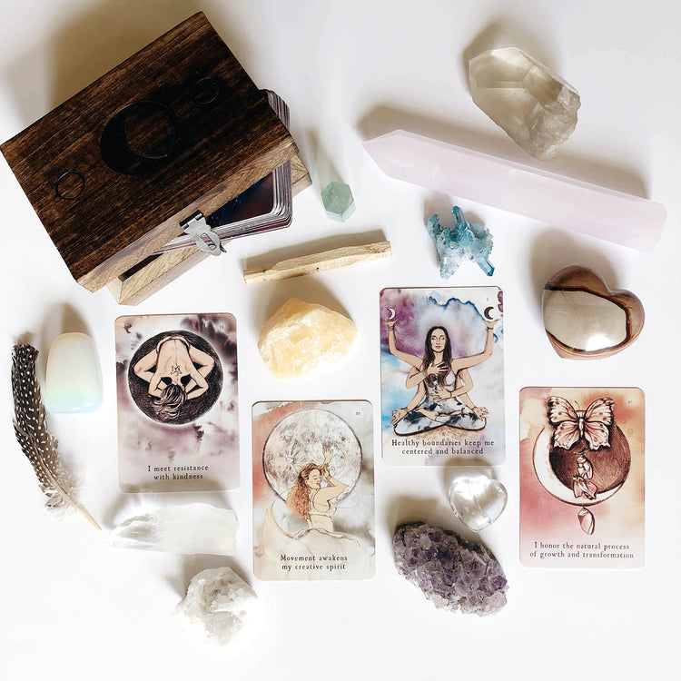 Elise Nicole is a Mystical Mama: A Journey to becoming an Oracle Card Reader