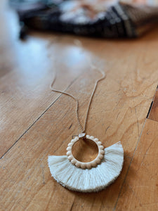 Dainty Cream & Gold Necklace