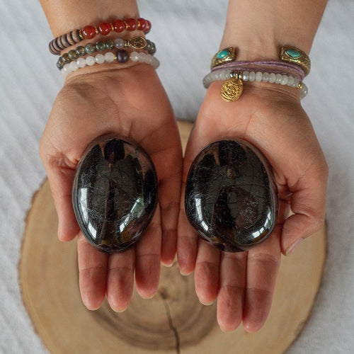 Black Tourmaline Palm Stone