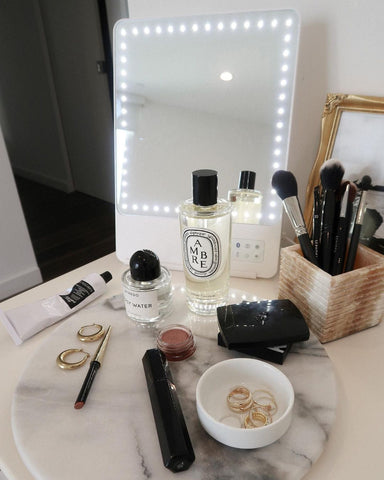 RIKI LOVES RIKI lighted beauty mirror with makeup brushes