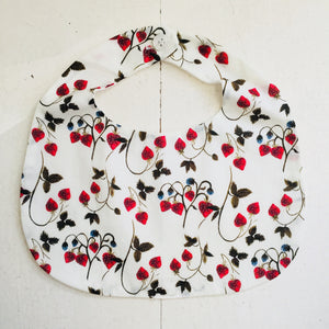 Makie Liberty Stawberry Bib