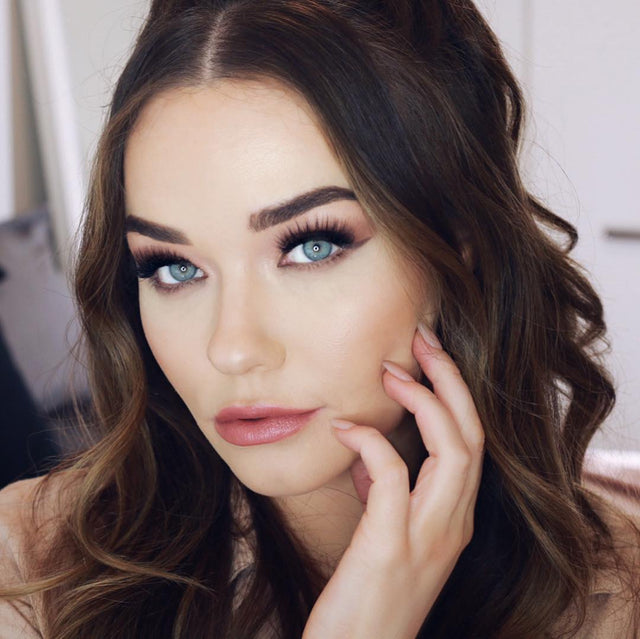 INFLUENCER PROFILE - MICHELLE CROSSAN