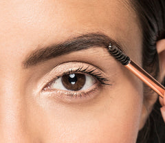 Sculpted Brow Look - Step 3