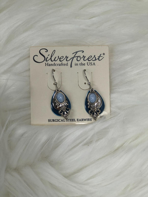 4 Dangles with blue marble effect and silver earrings