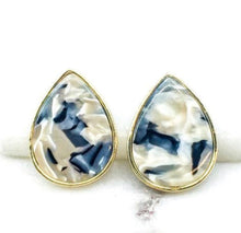 Load image into Gallery viewer, Resin Post Earrings