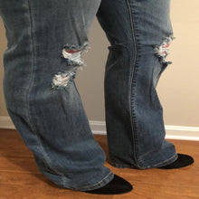 Load image into Gallery viewer, Destroyed Flare Jeans