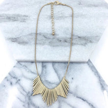 Load image into Gallery viewer, Worn Plating Necklace