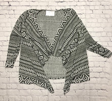 Load image into Gallery viewer, Geometric Cardigan