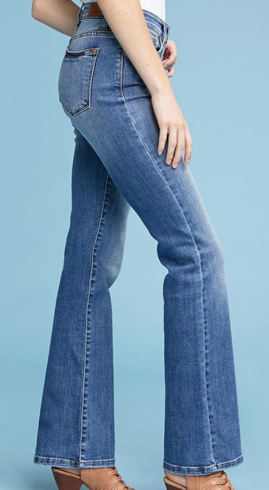 Judy Blue Mid-Rise Light Denim Bootcut Jeans
