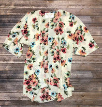 Load image into Gallery viewer, Plus Ivory Floral Kimono