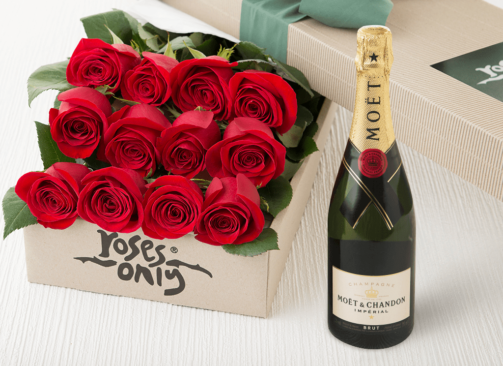 12 RED ROSE GIFT BOX & MOET CHANDON 750ML