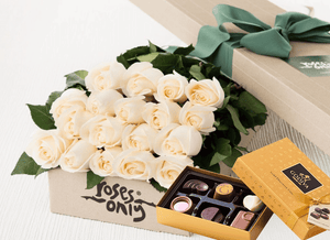 Mother's Day 18 White Cream Roses & Gold Godiva (6PC) Chocolates