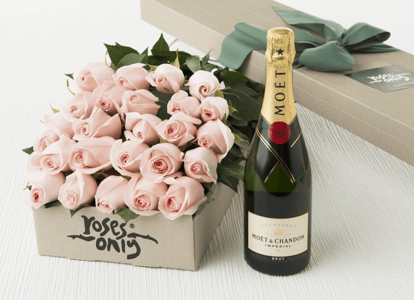 24 Pastel Pink Roses Gift Box & Moet & Chandon 750mL
