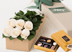 Mother's Day 6 White Cream Roses & Gold Godiva (6PC) Chocolates