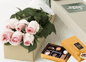6 Pastel Pink Roses & Gold Godiva (6PC) Chocolates