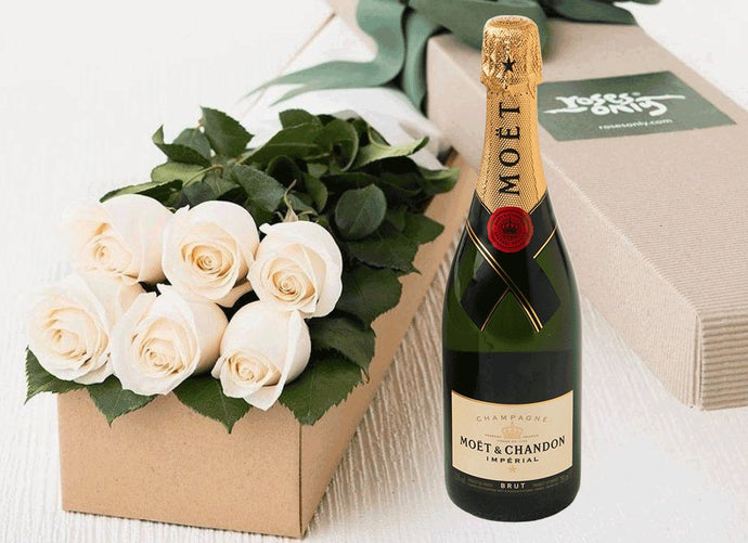 6 White Cream Roses Gift Box & Champagne