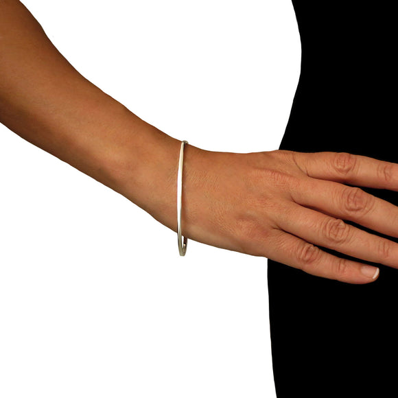 Solid 925 Sterling Silver Oval Bangle Gift Boxed