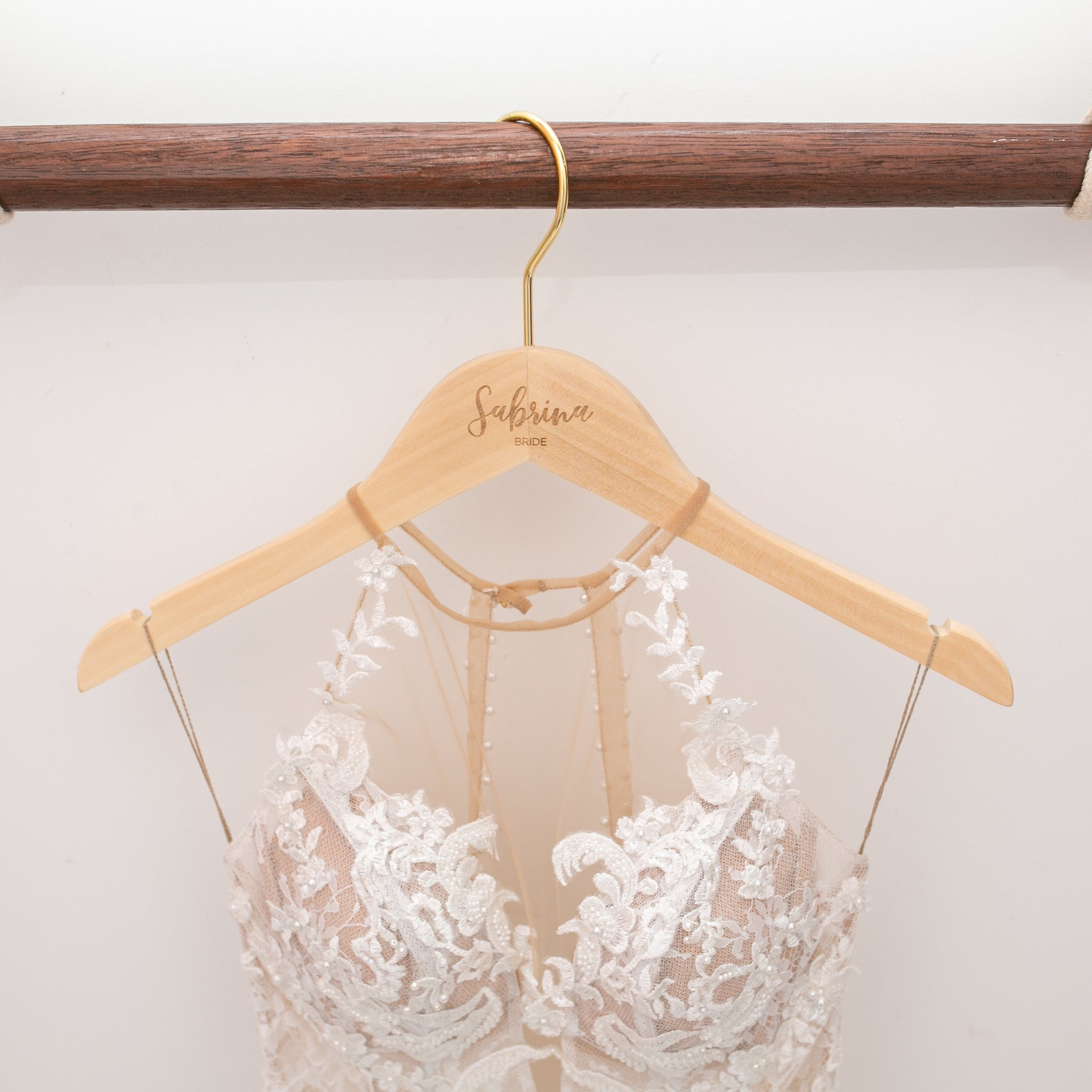 Engraved Dress Hangers - Styleper