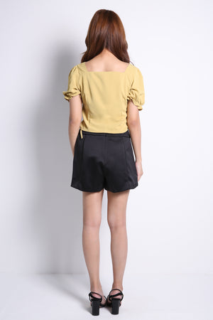 Front Button Top 9179