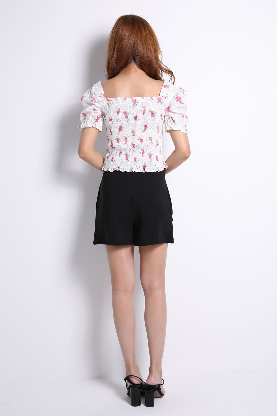 Square Button Short Pants 10615