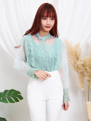 Front Button Top 11331