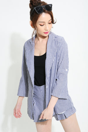 Stripes Print Outer with Short Pants Set 0974