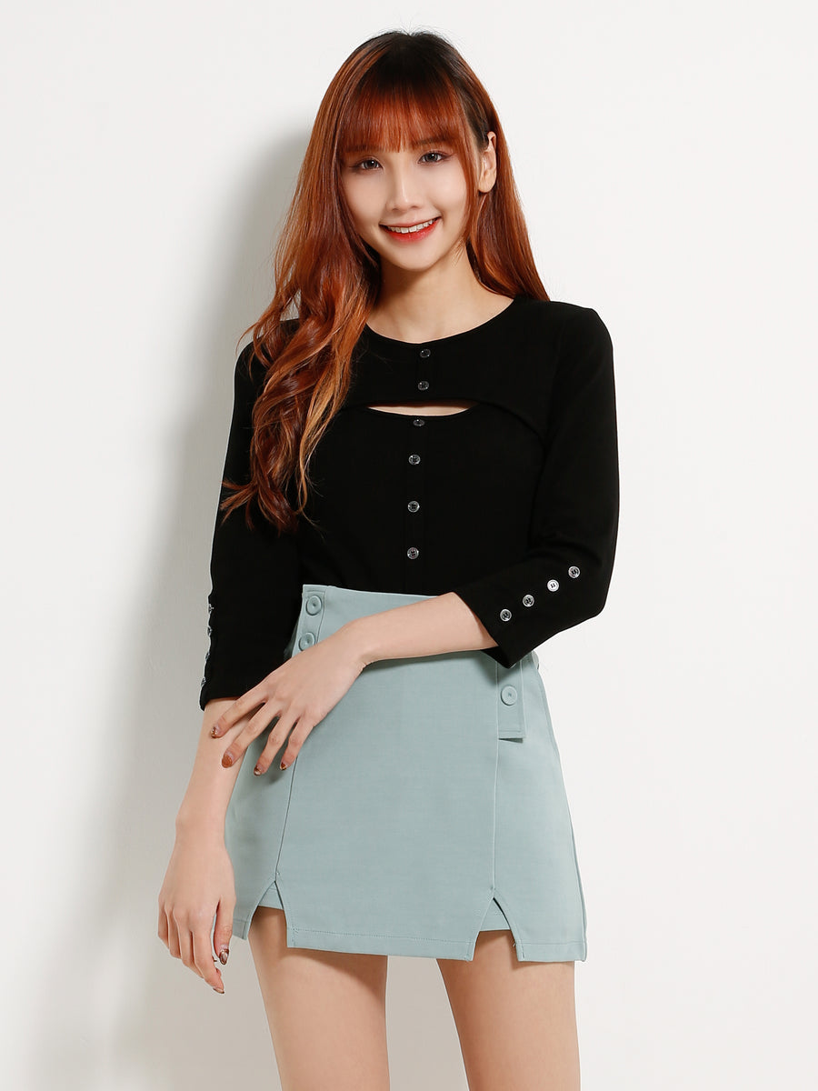 Front Button Keyhole Top 13241
