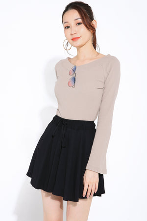 Off Shoulder Long Sleeves Top 2810