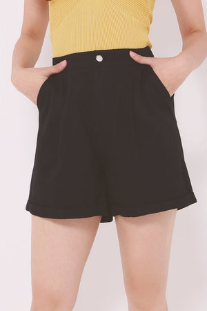 Rolled Hem Shorts 4612 - ample-couture