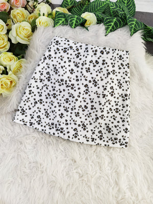 Flower Skirt 8166 White / S Bottoms